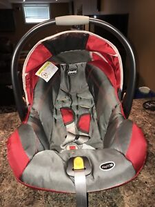 Selling Chico baby car seat. Expires in 5 years.