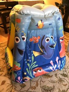 Dory Bouncy Ball Inflatable