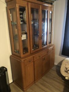 China cabinet with showcase lights
