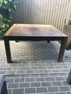 Table and chairs - chairs optional