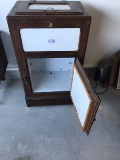 Wanted: KBR Antique Ice chest
