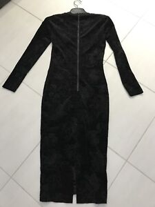 Robe noire velours French Connection