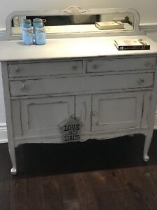 Shabby Chic Cottage Farmhouse Maple Sideboard/Hutch