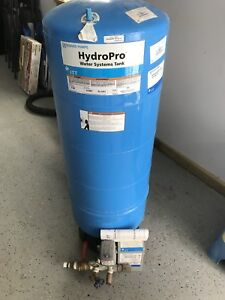 Goulds V100 (32 gallon) Well Pressure Tank