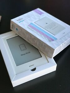 Kobo touch e-reader for sale (Lilac Quilt)