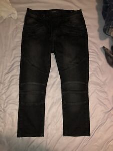 Size 33 waist/ 30 length black modern cut and style jeans