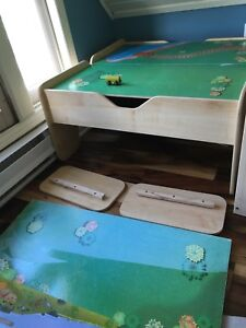 Train table with extension pieces