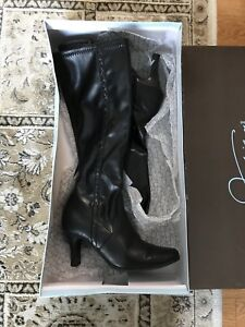 Jessica black leather boots