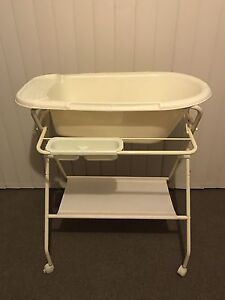 Baby Bath on stand South West Rocks Kempsey Area Preview