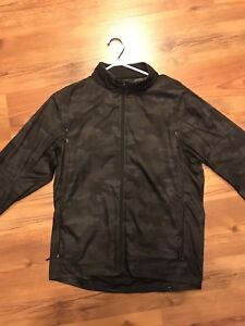 Men's surge camo jacket lulu