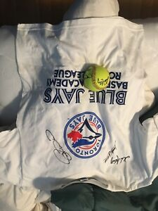 Autographed Blue Jays t-shirt and Baseball