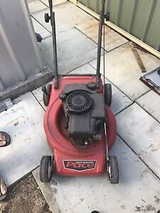Lawn mower Baldivis Rockingham Area Preview