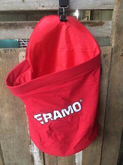 2 feeder bags brand new