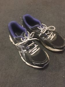Ladies asics running shoes size 8