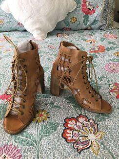 8a4d1851a786c BNWT Mollini Jayman Lace Up Heels - Size 38 (7.5-8)