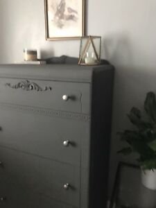 GORGEOUS Vintage/Antique Dresser - Must See!