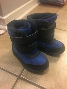 Snow boots - Joe Fresh size 6
