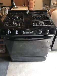 Amana Gas Stove and Oven