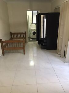 Grany flat for rent $250 included Blair Athol Campbelltown Area Preview