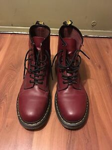 Dr. Martens Originals - As good as new!