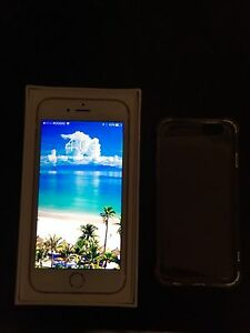 Gold iPhone 6s mint condition 16gb
