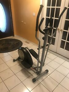 Elliptical trainer exercise machine