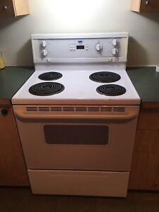 Ensemble Frigo, cuisinière, laveuse, sécheuse, lave-vaisselle