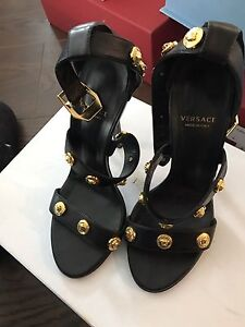 Authentic Versace 10 cm sandals like new conditions