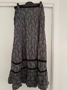Metalicus grey patterned skirt Warrenup Albany Area Preview