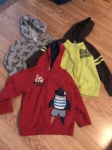 **3Gymboree sweaters 4 long sleeve**size 4**