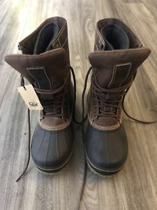 MINT NEW TMAX WINTER BOOTS. BEST DEAL EVER!!!!