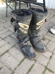 Axo dirtbike boots size 10 *LIKE NEW*