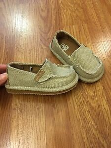 Brand new canvas loafers size 5T for toddlers