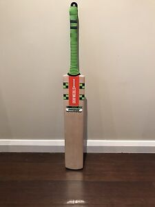 Cricket bat- Gray-Nicolls Synergy 1500 Beaconsfield Cardinia Area Preview