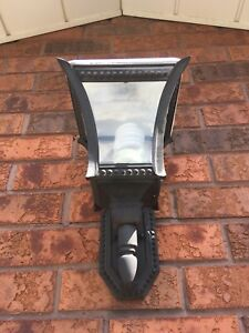 Outdoor porch lights in excellent condition.