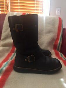 Ugh Kensington Boot - Black with Gold Detail