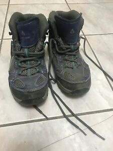 Kids Vasque hiking boots sz 3 (youth)