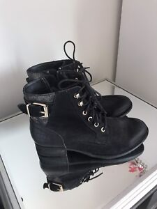 Brand-new size 9 Aldo ankle boots