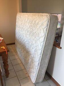 Queen size mattress Sheidow Park Marion Area Preview