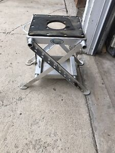 Dirtbike stand