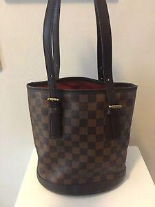 Louis Vuitton Ebene Bucket bag