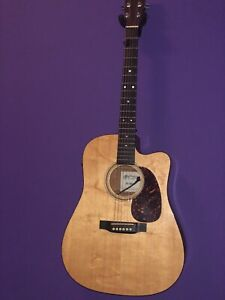 Martin Acoustic-electric  (used) excellent condition