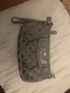c9af8da1c8 Coach Large Wallet | Kijiji in Ontario. - Buy, Sell & Save with ...