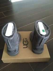 Brand New T Classic UGG 5251T T/ GREY shoes