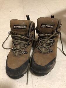 Woman's broadstone hikers size 6