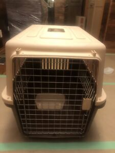 Dog crate carrier kennel