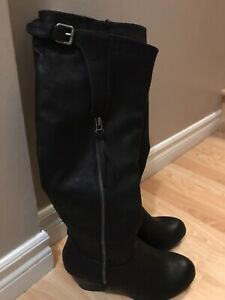 Ladies size 8 tall boots