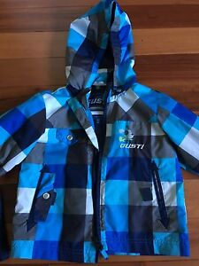 18m boys rain suit. Lightly lined with soft material.