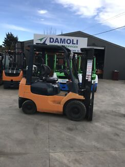 Toyota 1.8 tonne Container Mast Forklift