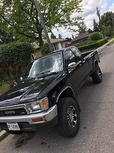 1989 Toyota 4x4 mint condition pickup